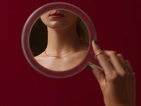 Jugement, miroir et bienveillance